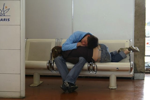 the-best-funny-pictures-of, people sleeping at the airport