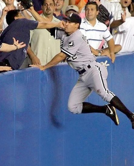 the-best-funny-pictures-of-perfectly-timed-photos-baseball-catch-perfectly-timed-template