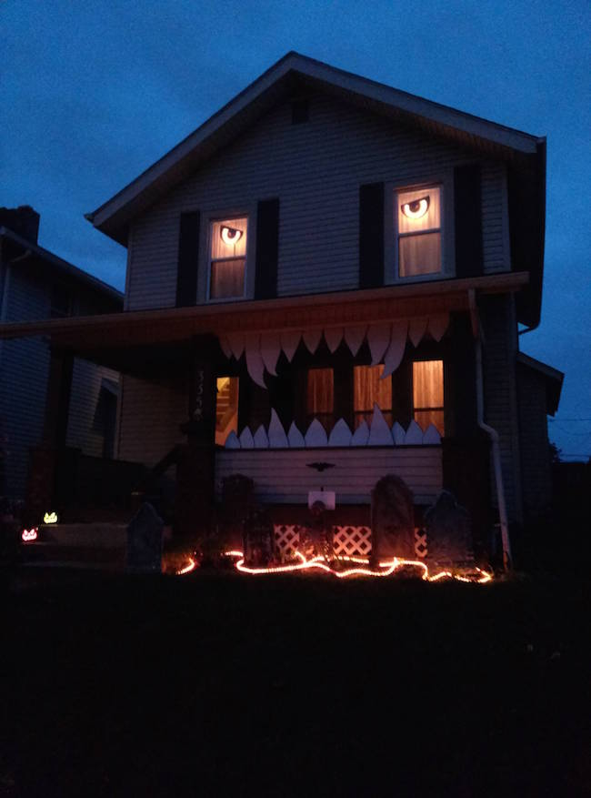 apparently it u0026 39 s time to step up your halloween decorations game