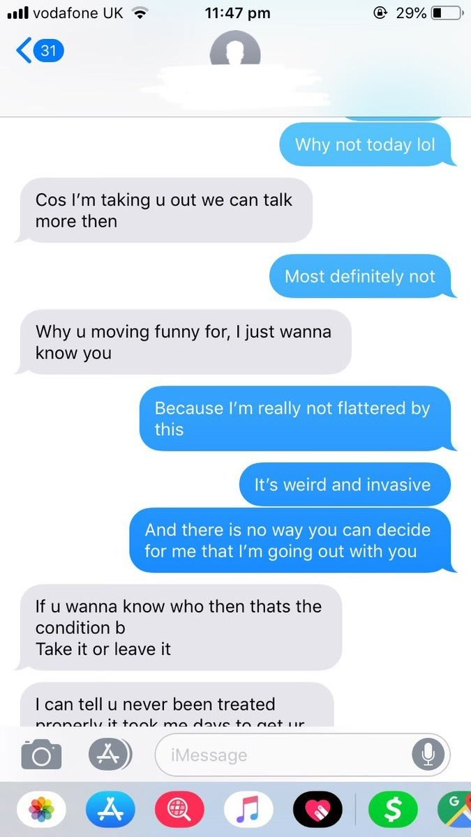 Woman Gets Text From Random Dude On Train, People Compare It
