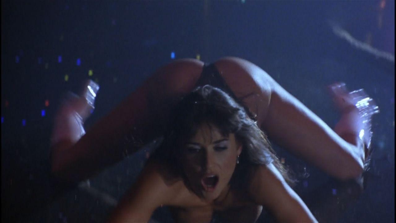 sexy scene from striptease, sexy movie scene, sexy movie scenes, sexy scenes in movies, sexy scene from movie