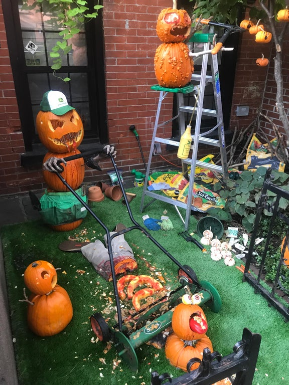 30 Next-Level Scary Halloween Decorations That Freaked ...