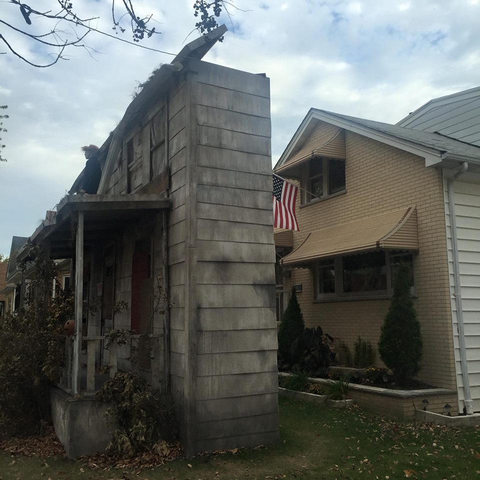 30 Next-Level Scary Halloween Decorations That Freaked