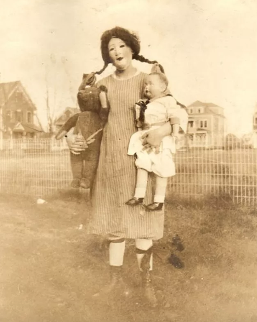 terrifying mother and baby halloween costume, terrifying mother and baby vintage halloween costume