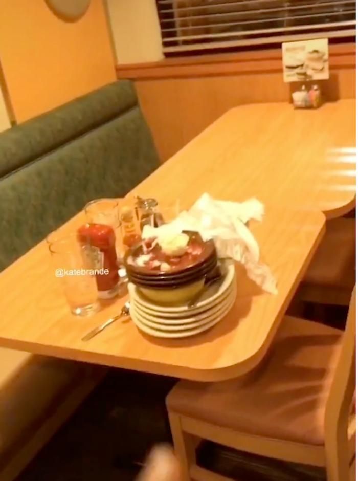 boomers gen z restaurant tables
