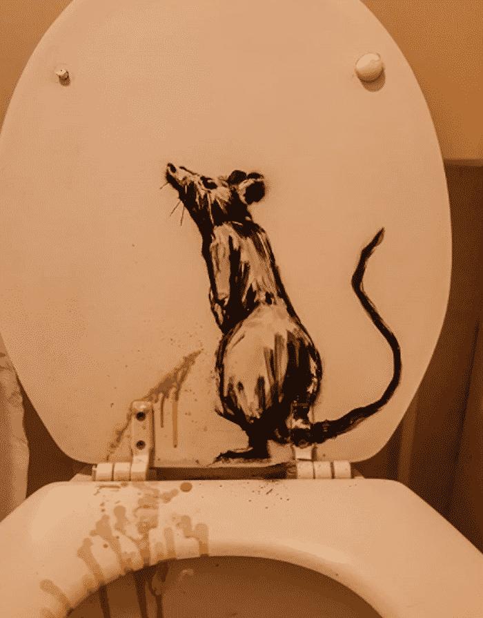 banksy bathroom art, banksy bathroom rats