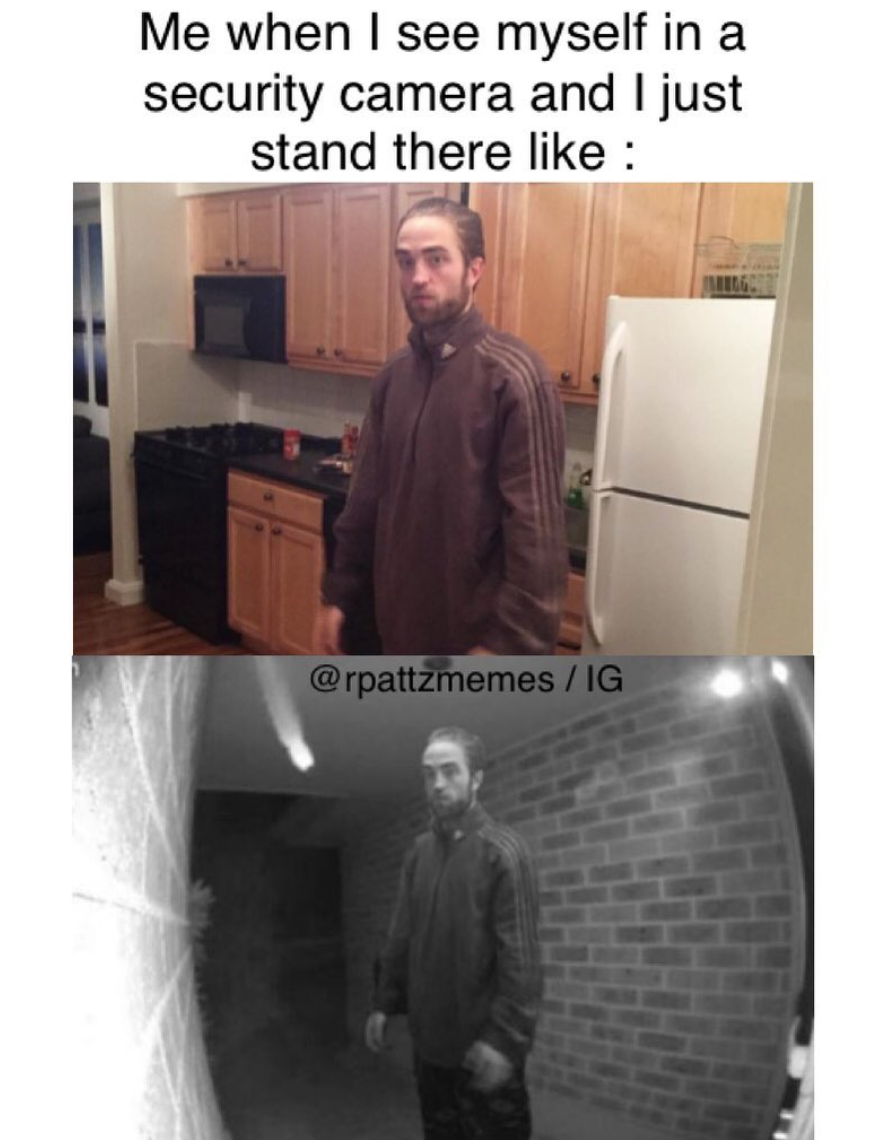 """Just 12 Robert Pattinson Memes From That """"Good Time"""" BTS Pic"""