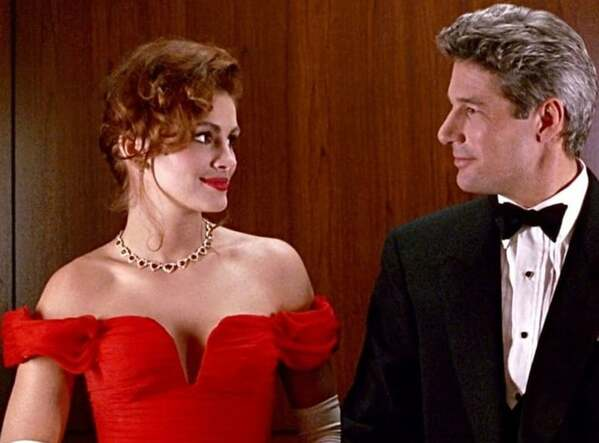 Pretty Woman movie still, Julia Roberts in elevator, Real life romcom dealbreakers, things men do in romcoms that would be red flags in real life, romcom stalkers, romantic comedies that are actually creepy